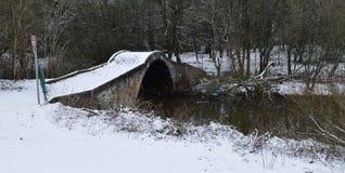 Roman Bridge in neve Immagini Stock Libere da Diritti