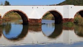 Roman Bridge in Silves, Algarve Portogallo Fotografie Stock Libere da Diritti