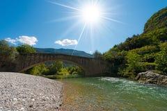 Roman Bridge und Sarca-Fluss- Italien stockfoto