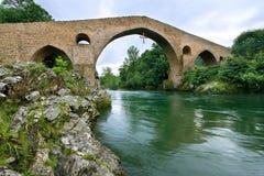 Roman brug van Cangas DE Onis Stock Foto