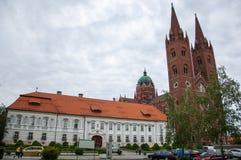 Roman Catholic Cathedral av St Peter och St Paul i Djakov Arkivfoto