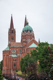 Roman Catholic Cathedral de San Pedro y de San Pablo en Djakov fotos de archivo