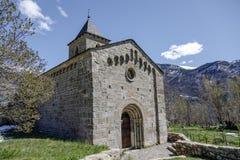 Roman Church de Santa Maria de la Asuncion en Coll Catalonia - l'Espagne image stock