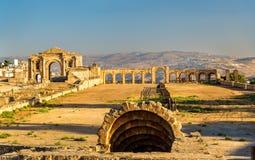 Roman Circus eller kapplöpningsbanan i Jerash Royaltyfri Foto