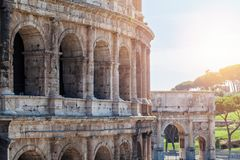 Roman Coliseum en Roma, Italia Señal de Roma imagenes de archivo
