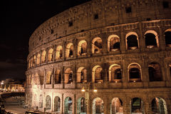 Roman ColiseumThe vieux Colosseum à Rome, les gladiateurs combattent Images libres de droits