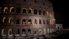 Roman Colosseum Coliseum Flavian Amphitheatre Anfiteatro Flavio Colosseo, en oval amfiteater i mitten av Rome arkivfilmer