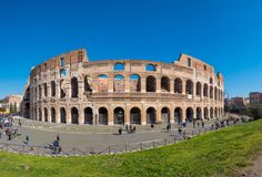 Roman Colosseum Coloseum i Rome, Italien bred panorama royaltyfria bilder