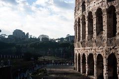 Roman Colosseum y Roman Forum foto de archivo libre de regalías