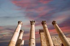 Roman Columns binnen in de Jordanian stad van Jerash (Gerasa van Antiquiteit), Jordanië Royalty-vrije Stock Afbeeldingen