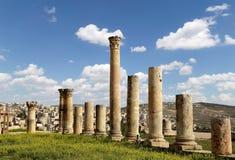 Roman Columns i den jordanska staden av Jerash, Jordanien Royaltyfria Bilder