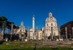 Roman Domus van Palazzo Valentini, Santa Maria di Loreto, de Kolom van Trajan stock fotografie