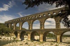 roman forntida pont för akveduktdu france gard Royaltyfri Bild