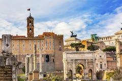 Roman Forum Arch Capatoline Hill-Kolommen Rome Italië Stock Foto's