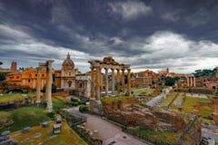 Roman Forum Architecture im Rom-Stadtzentrum lizenzfreies stockbild