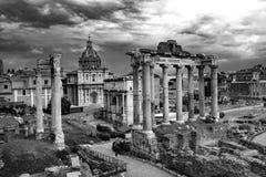 Roman Forum Architecture in Schwarzweiss stockfoto