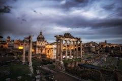 Roman Forum au coucher du soleil Image stock