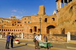Roman Forum historisk mitt för Rome ` s, Italien Arkivfoto