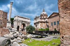 Roman Forum One van de beroemdste oriëntatiepunten Stock Foto's