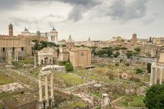 Roman Forum op een Stormachtige Summer& x27; s Dag Stock Foto