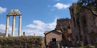 Roman Forum Ruins på Roma, Italien royaltyfria foton