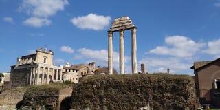 Roman Forum Ruins på Roma, Italien royaltyfria bilder