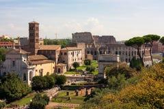 ROMAN FORUM RUINT EN COLOSSEUM Stock Afbeelding