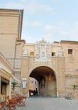 Roman Gate royaltyfri bild
