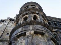 Roman Gate Porta Nigra est le meilleur bâtiment romain préservé au nord des Alpes Photos libres de droits