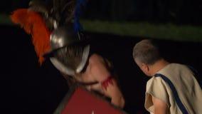 Roman Gladiator Mirmillo Versus Thraex arkivfilmer