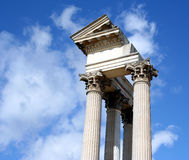 Roman haventempel stock foto's