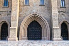 roman katolsk kyrkaportal Royaltyfri Foto