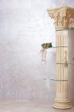 Roman kolom met bloemen Royalty-vrije Stock Afbeelding