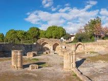 Roman kolommen en steenbogen in Paphos, Cyprus Royalty-vrije Stock Afbeelding