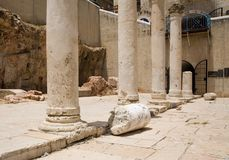 Roman kolommen in Jeruzalem Stock Foto's