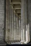 Roman kolommen, mooie gang royalty-vrije stock afbeelding