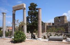 Roman Kolommen van Byblos en Kasteel van de Kruisvaarder, Libanon royalty-vrije stock fotografie
