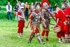 Roman legionairs Festival` Tijden en tijdvakken ` in het Kolomenskoye-Park stock afbeeldingen
