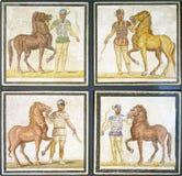 Roman mozaïeken van wagenmenners klaar voor een ras Stock Afbeelding
