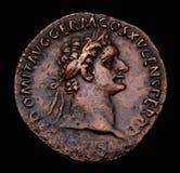 Roman Muntstuk Domitian van het Brons Stock Fotografie
