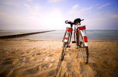 Roman på stranden Fotografering för Bildbyråer