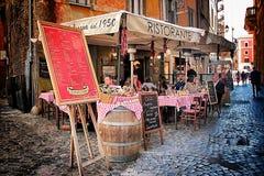 Roman Pizzeria typique au centre historique image libre de droits