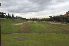 Roman Race Track Park lizenzfreie stockbilder