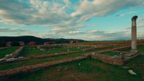 Roman Ruins de Sarmizegetusa em Deva, tiro da filtração de Romênia - de Ultrawide vídeos de arquivo