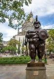 Roman Soldier Statue en el cuadrado de Botero - Medellin, Antioquia, Colombia fotografía de archivo