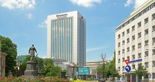 Roman Square (Piata Romana) en Bucarest almacen de metraje de vídeo
