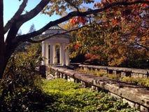 Roman Statue en automne 1 photographie stock