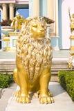 roman staty för lion Arkivfoton