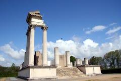 roman tempel för hamn Arkivfoton