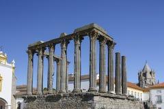 Roman tempel van Evora stock afbeeldingen